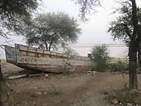 111201_expire_boat