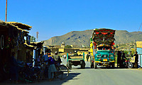 121129_a_local_market_in_fata_with_