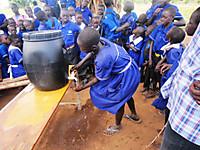 130627_hand_washing_demo_2
