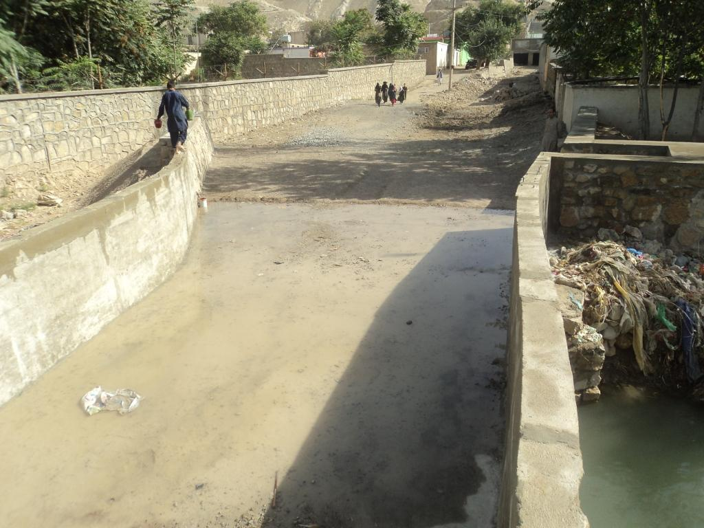 150702_flood_protection_wall_when_2