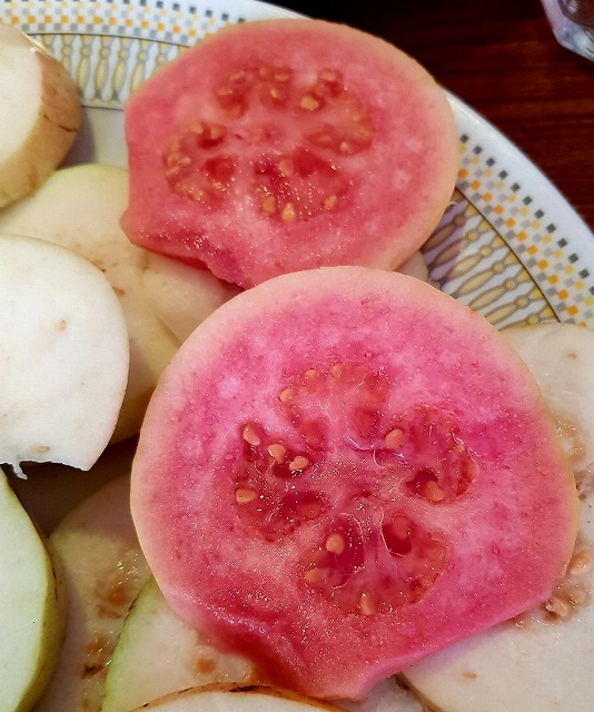 20180315_pk_05_sliced_guava2_2