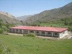 Afghanistan_woolang_school_low